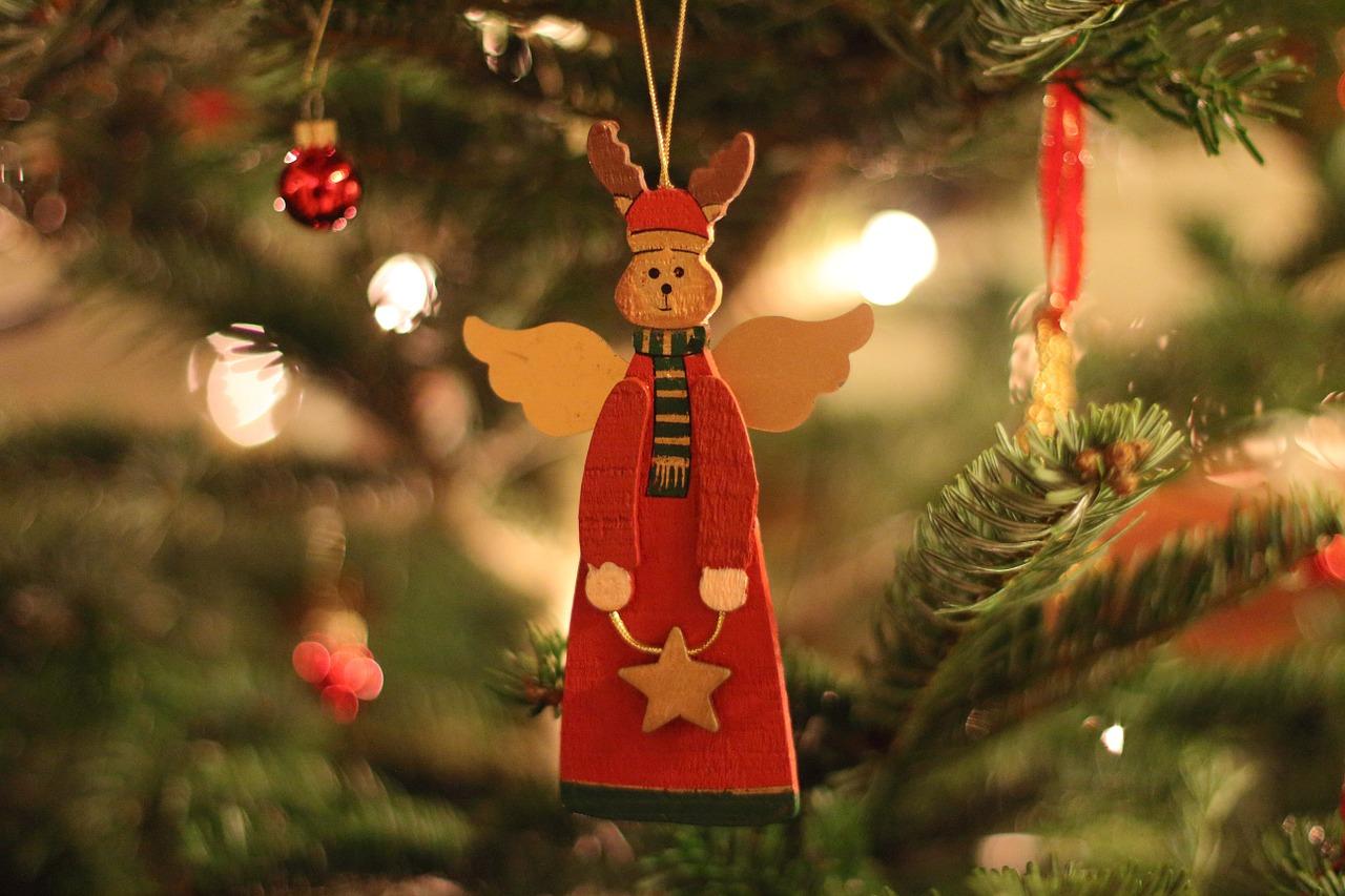 クリスマスツリー飾りのペーパーテンプレートが無料でダウンロードできるサイト